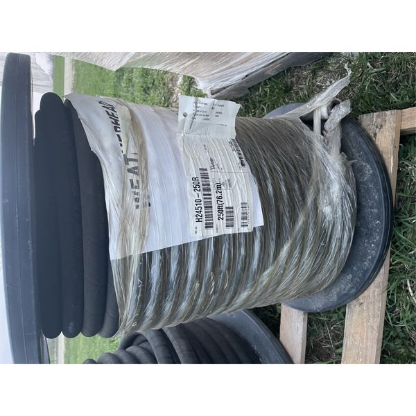 """ROLL OF NEW 5/8"""" HYDRAULIC HOSE  APPROX 195'"""