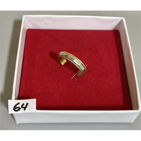 MEN'S 10 K GOLD WEDDING BAND - SZ 9 1/2