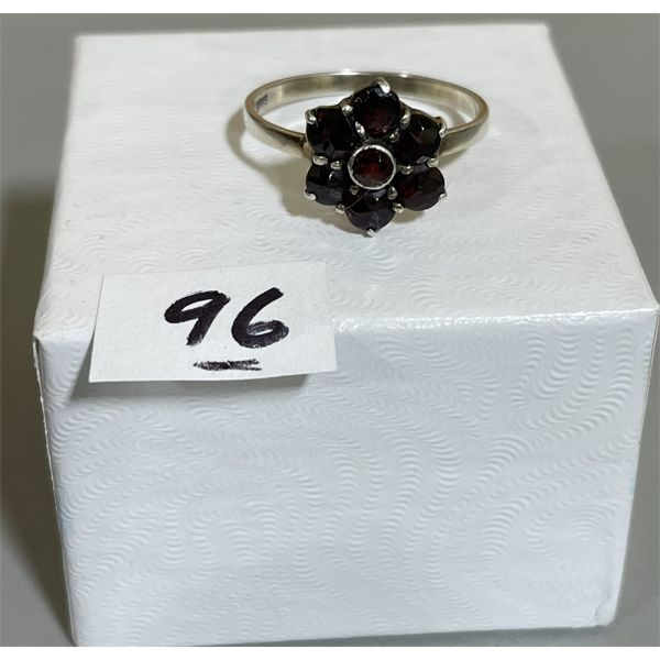 STERLING SZ 7 RING SET WITH GARNETS