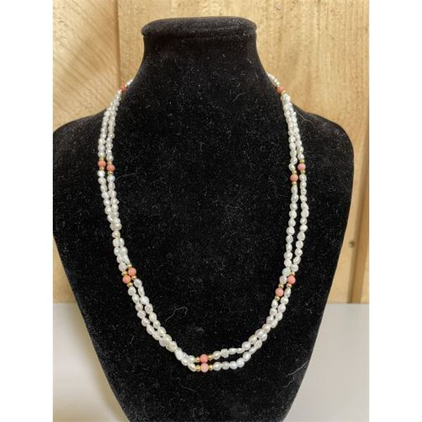 TRIPLE STRAND OF AMETHYST BEADS AND FRESHWATER SEED PEARLS