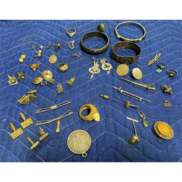 LOT OF MISC JEWELRY PIECES INCLUDES SOME STERLING ITEMS