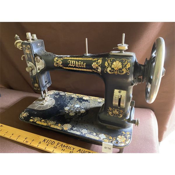 ANTIQUE WHITE SEWING MACHINE - EXCELLENT DECALS