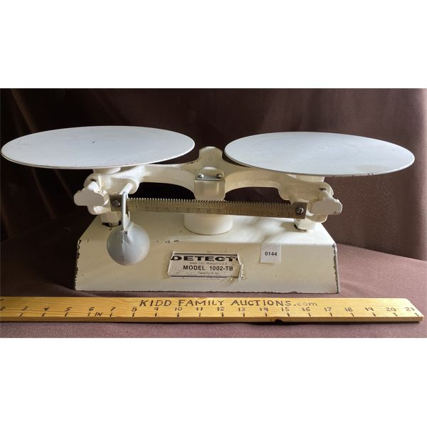 DETECTO MODEL 1002-TB ANTIQUE COUNTERTOP SCALE
