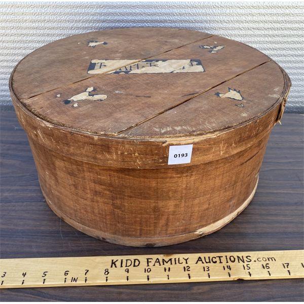 ANTIQUE WOODEN HAT BOX