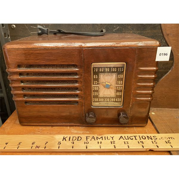 WESTINGHOUSE TABLETOP RADIO