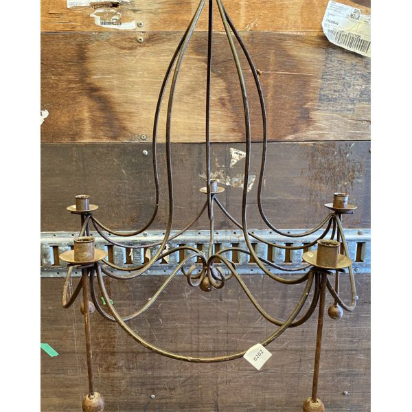 INDOOR / OUTDOOR HANDING CANDELABRA