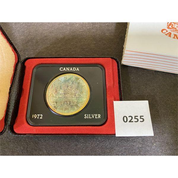 1972 CANADIAN SILVER DOLLAR IN PRESENTATION CASE