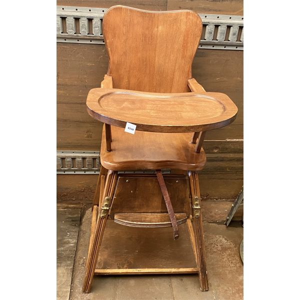 ANTIQUE CHILD'S HIGHCHAIR THAT CONVERTS INTO A TODDLERS SEAT & TABLE
