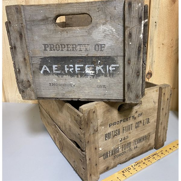 LOT OF 2 VINTAGE CRATES - BRITISH FRUIT COMPANY