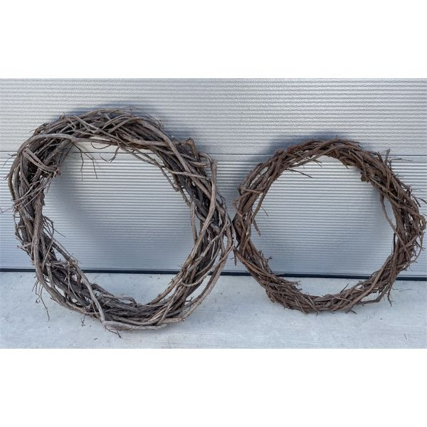 """LOT OF 2 GRAPEVINE WREATHS - 28"""" & 32"""""""