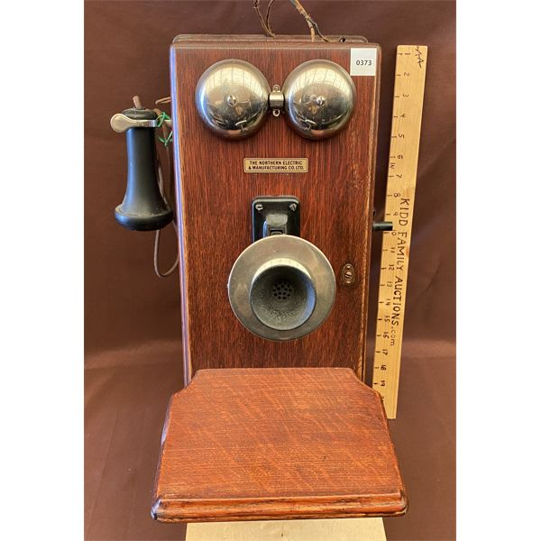 ANTIQUE WALL MOUNT TELEPHONE - NORTHERN MANUFACTURING CO 1910