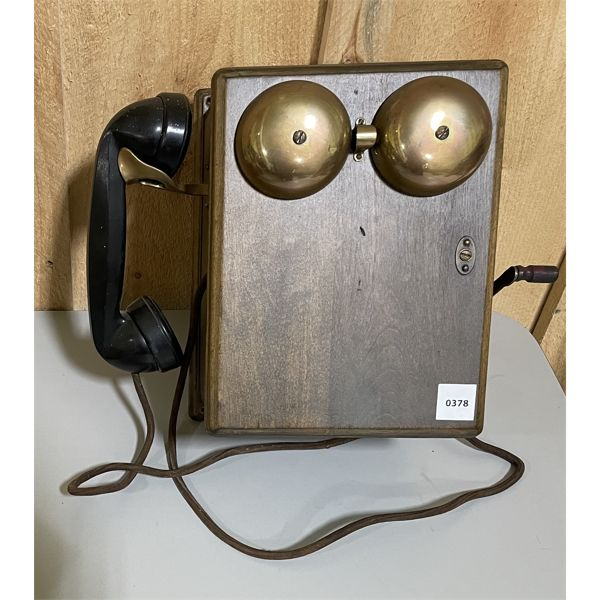 ANTIQUE WALL MOUNT CRANK PHONE