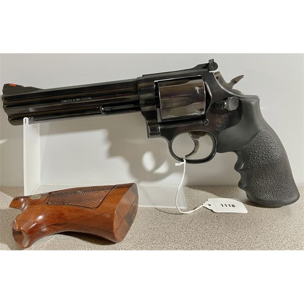 SMITH & WESSON MODEL 586-3 IN .357 MAG