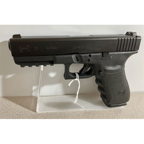 GLOCK MODEL 21 SF IN .45 AUTO -  RESTRICTED CLASS