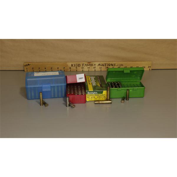 BRASS: MIXED LOT INCL. 35X 25-20, 18X 32 WIN SPL, 50X 38 SPL, 22X 22K HORNET