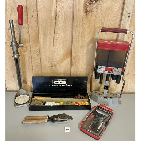 JOB LOT - LEE MEASURE, WINCHESTER .22 CAL CLEANING KIT, BULLET MOULD (90299), ETC