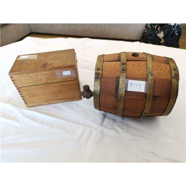 Small wooden barrel and oak recipe box