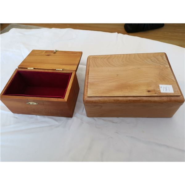 Handcrafted wood boxes (2)