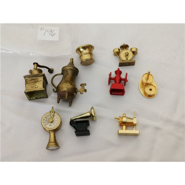 Lot of cabinet miniatures (9)