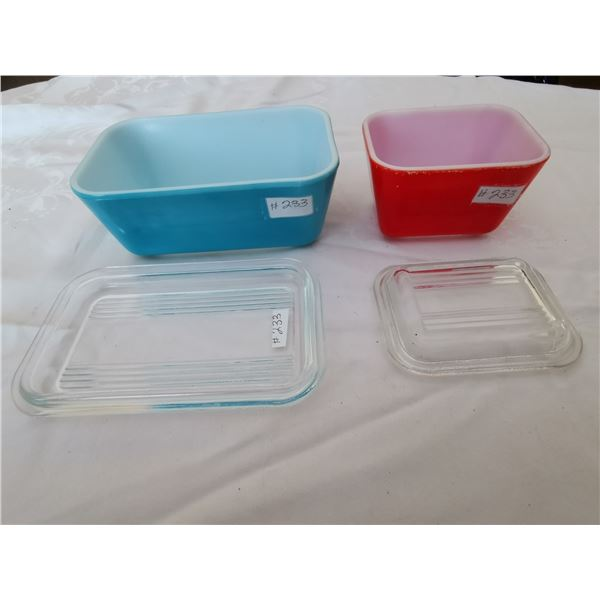 Small Pyrex refrigerator dishes (2)