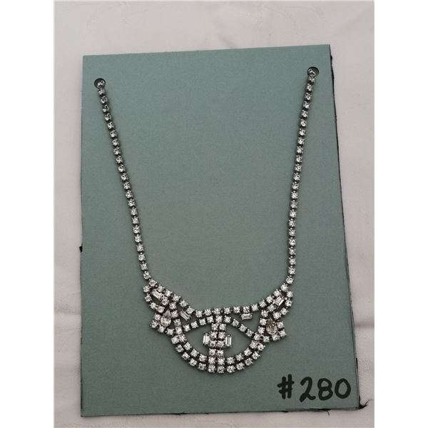 Clear rhinestone scalloped   necklace