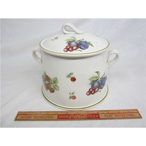 Wedgwood Fruit Sprays Stew or Soup Tureen
