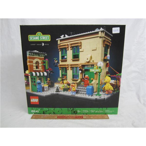Hard to find Sesame Street Lego Set Factory Sealed