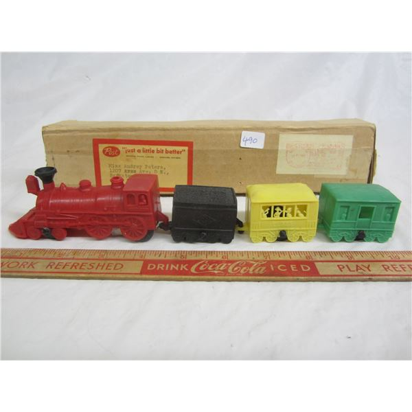 Vintage Post Cereal Train Set mail away only 1960's in original box