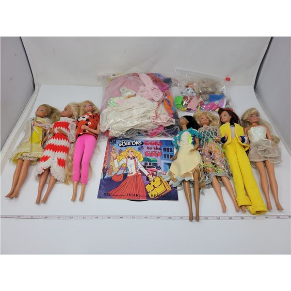 7 1970's Barbie's & 2 1980's 40 extra pieces of clothing & many shoes & accessories + 1984 record