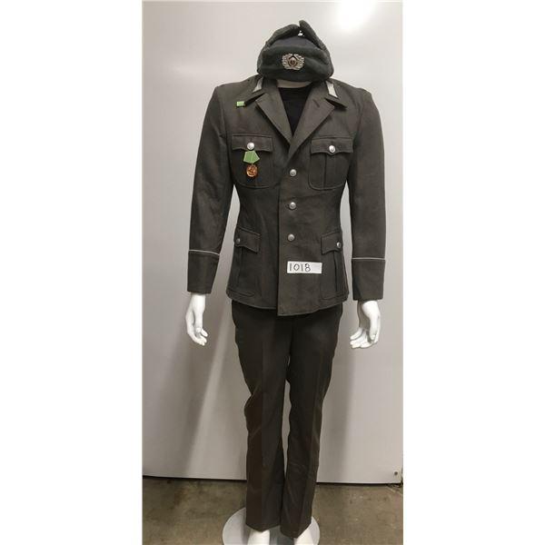 1018 - East german military uniform. Hat, jacket and pants