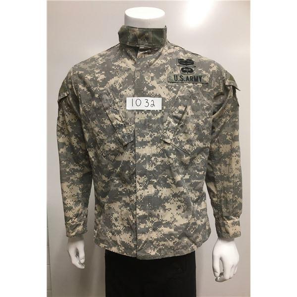 1032 - US ARMY  ACU Combat Coat