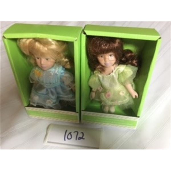1072-LOT OF 2 6INCH VICTORIAN PORCELAIN DOLLS. ORIGINAL PACKING.