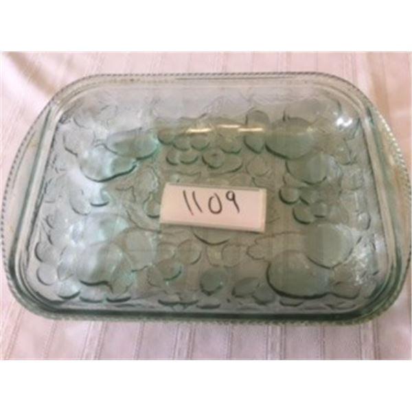 1109-GREEN GLASS FLORAL MOTIF BAKING PAN 12X8