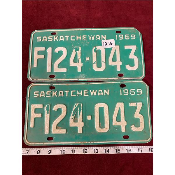 1969 License Plate Set Saskatchewan