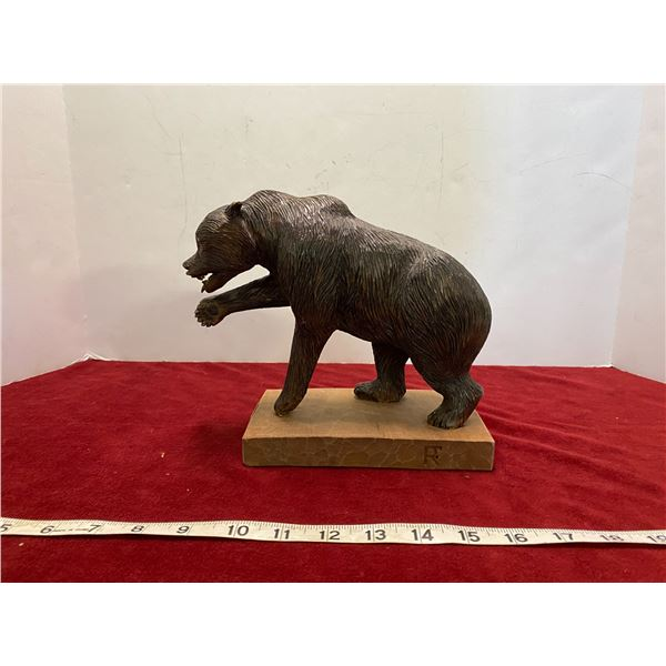 Ron Flaming 2001 Basswood Bear Carving Wax Finish (7-1/2 Tall)