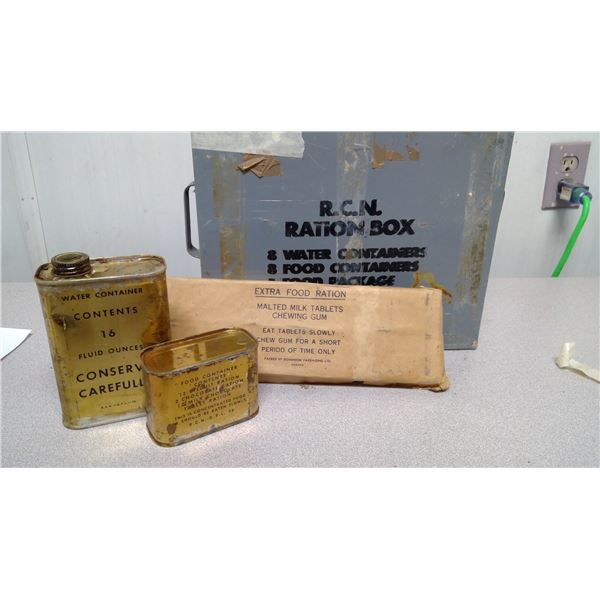 R.C.N. Ration box 8 water containers, 8 food containers, 1 food package