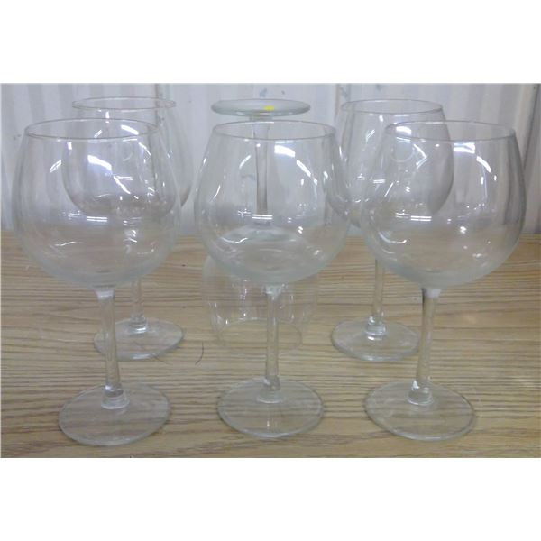 Set of 6 stemmed wine glasses for white wine