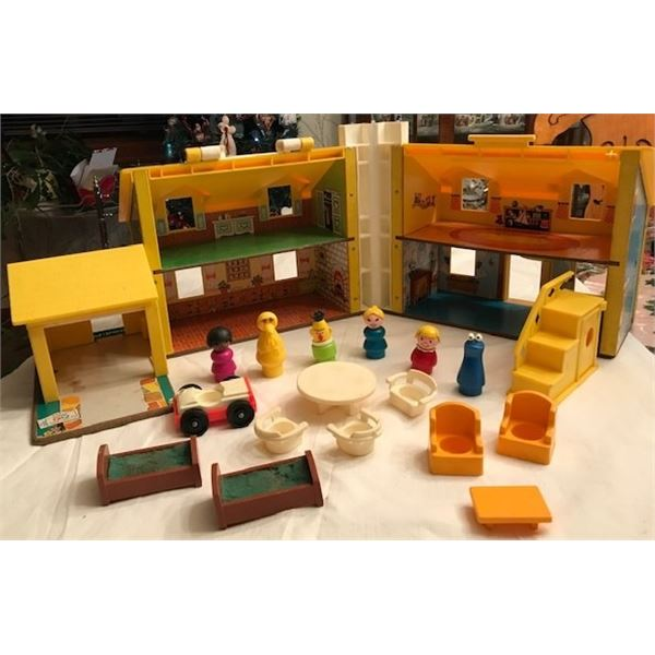 Fisher-Price Play Family Vintage Playhouse (no original box) with 6 characters & accessories