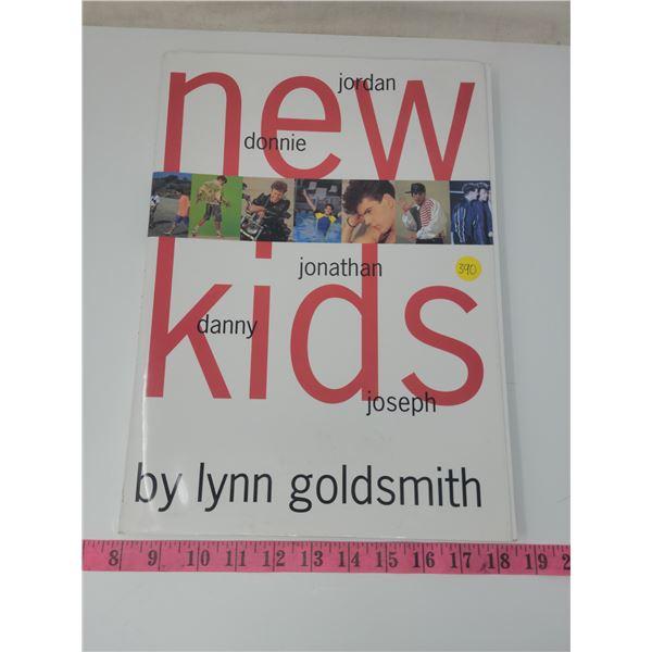 Picture book: New Kids On The Block - Jordan, Donnie, Jonathan, Danny, Joseph. By Lynn Goldsmith cop
