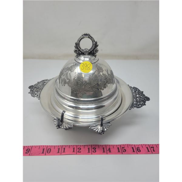 Covered butter dish, some discolorations, no butter knife. E.P.W.M. fine silverplate, extra finish