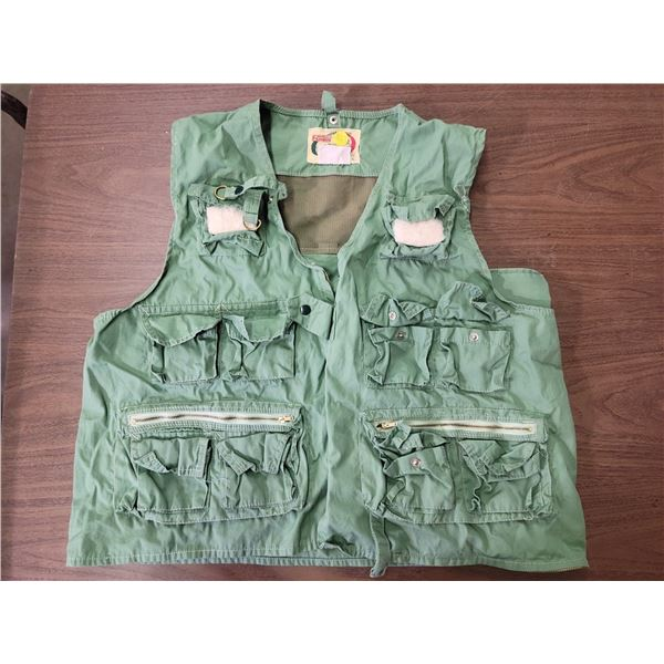 Fly fishing vest - Mens size Large 100% cotton