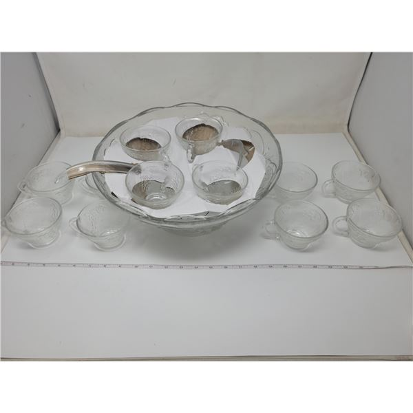 Complete punch bowl set, 12 cups. Never used (in original box)