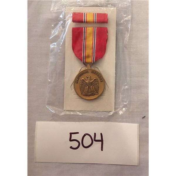 504 - US Military National defense service medal set, With Box