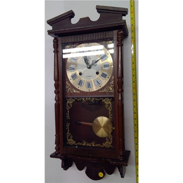 Vintage Beacon Clock with Key