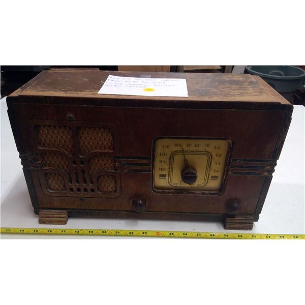 Antique Wooden Cabinet Radio