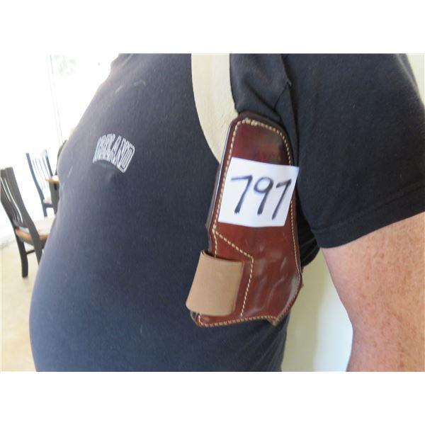 Smith & Wesson holster, Safari land model 19, Steve McQueen wore a similar holster in the movie Bull
