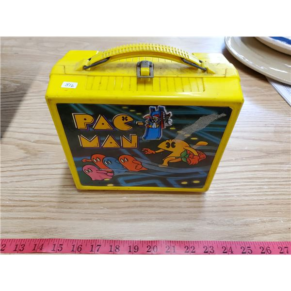 1980 pacman lunch box w/ thermos