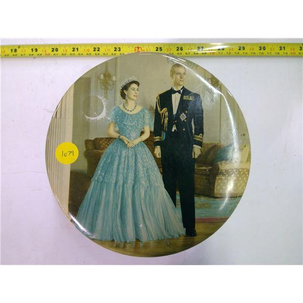 Vintage Tin - King & Queen
