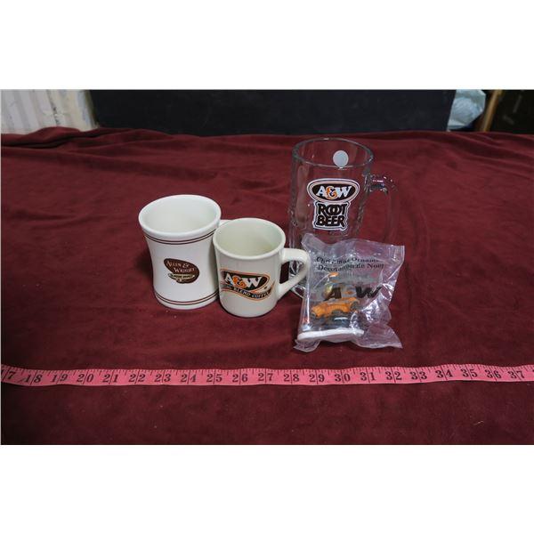 lot 3 A&W Mugs + Bear Christmas ornament
