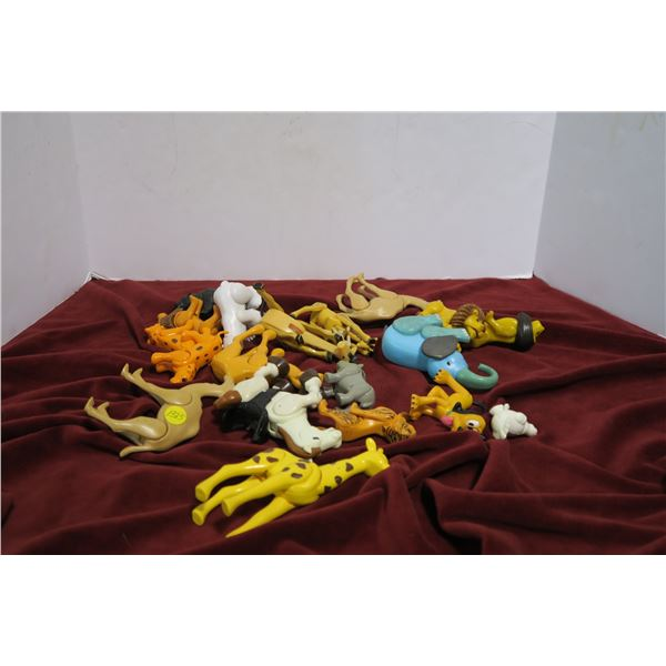 Lot plastic animals with moving limbs